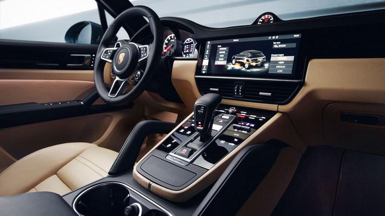 已應用在Panamera的數位座艙概念,在Cayenne這款重要車型上當然也能看到,直覺的人性化操作介面設計使得複雜的功能也能易於使用。