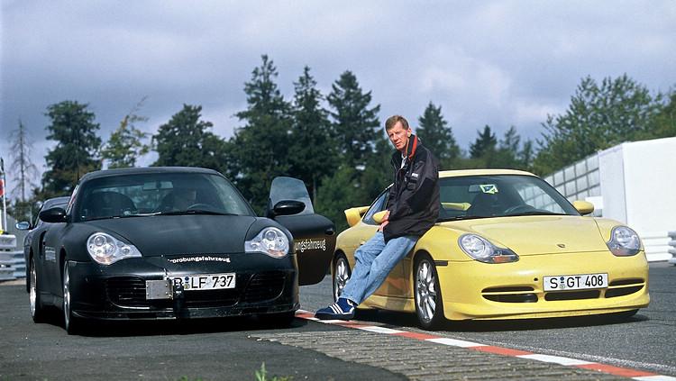 參與911 GT3研發的Walter Rohrl,更親駕創下Nurburgring北環賽道紀錄。照片中為911 GT3測試車與911 Turbo 3.6 Coupe。