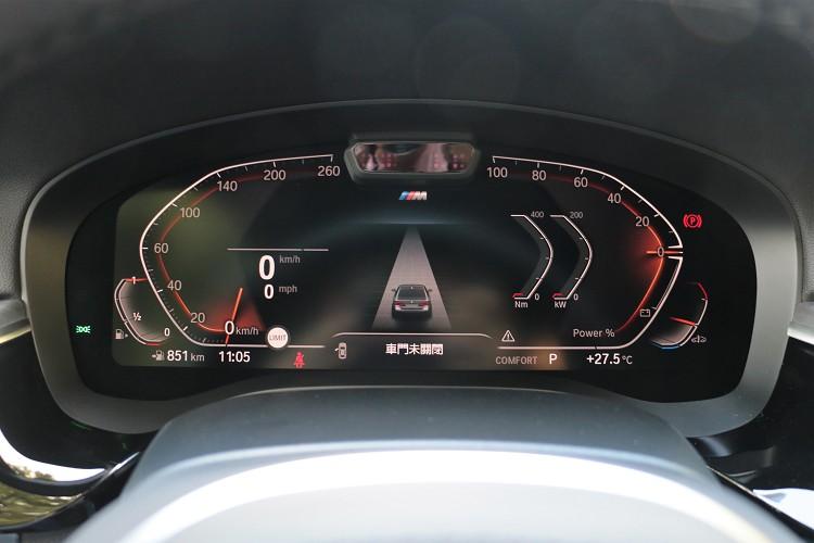 12.3吋虛擬儀表板在不同型車模式下有不同呈現方式。