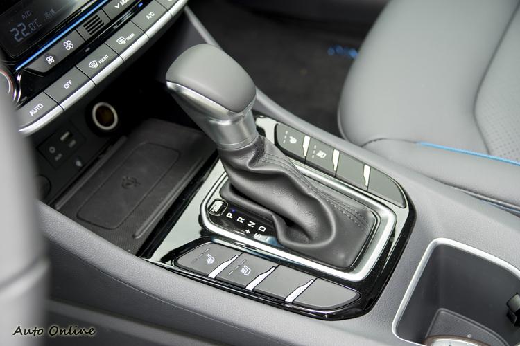 六速雙離合器自手排變速箱進入Sport模式下動力輸出反應有明顯提升。