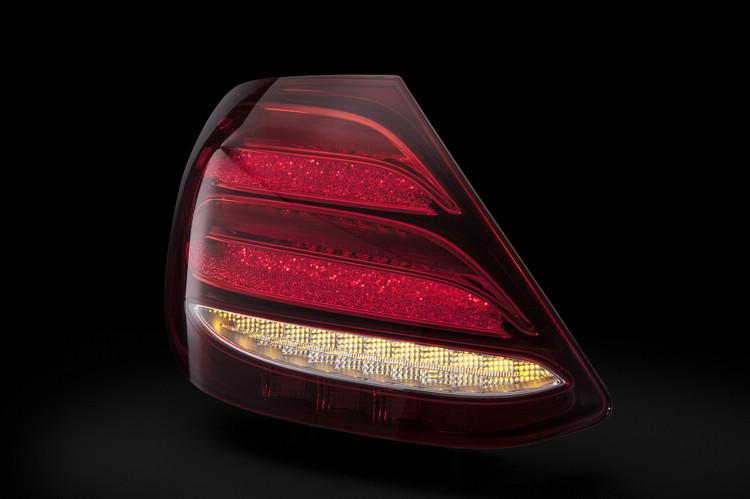 燈條所加入的星塵裝飾勢必將會成為未來車界跟隨的設計。