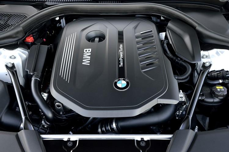 動力上,540i使用一顆新世代B58的3.0升直列六缸渦輪增壓引擎。