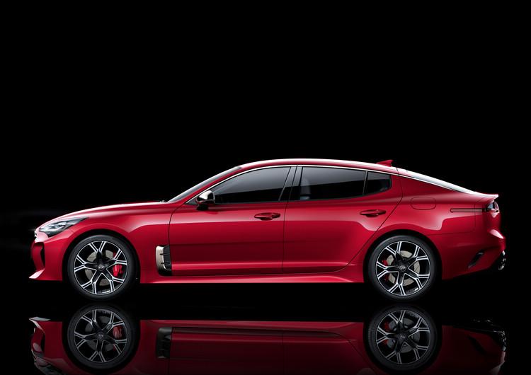 歐洲市場上流行的coupe-line輪廓比例,以及北美買家喜愛的肌理線條,都同時出現在Stinger上面。
