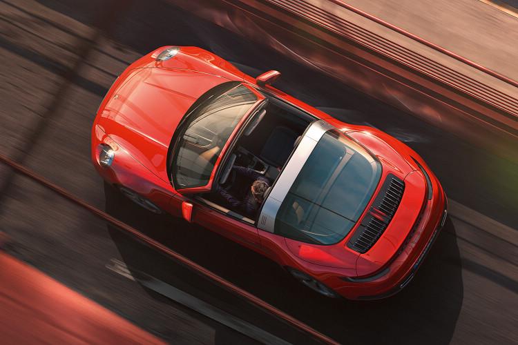 創新全自動車頂系統,即使開啟頂蓬也能保有傑出的低風阻表現,並可於19秒完成開關動作。