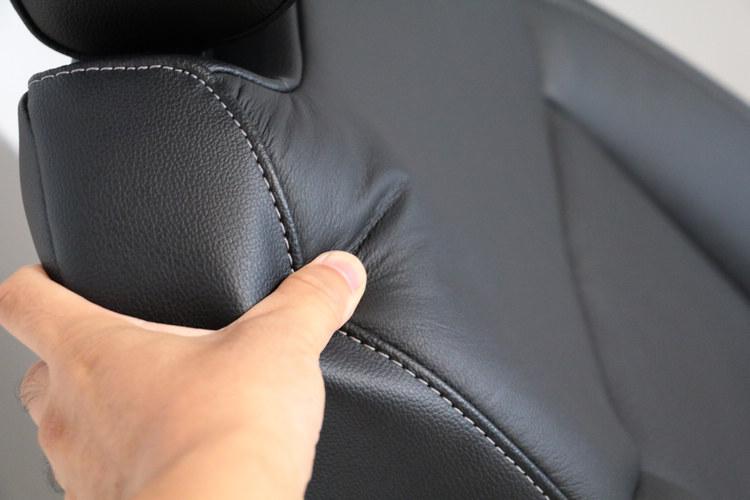 背墊設計考量人體工學,給予駕駛和乘客更舒適的乘坐感。