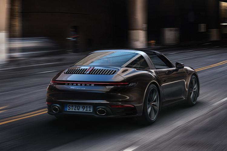 更多駕駛輔助功能的導入,搭配安全性更高的Targa車頂設計,讓這款跑車更能融入日常生活之中。